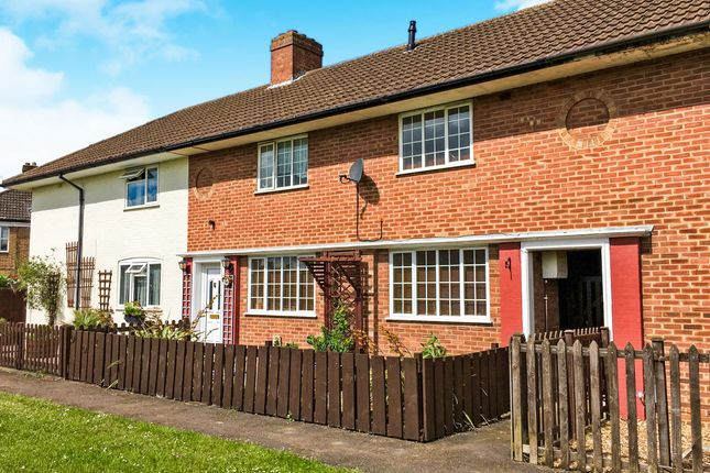3 bed terraced house for sale in Greenways, Flitwick, Bedford