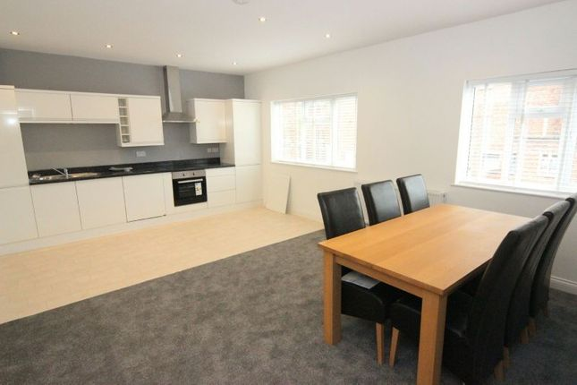 Thumbnail Flat for sale in Ashton Lane, Sale