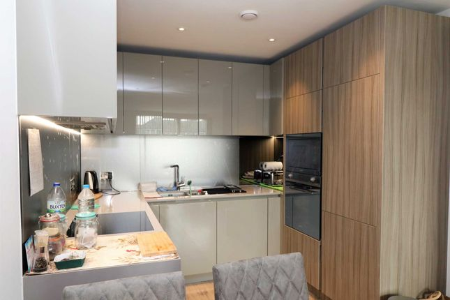 Thumbnail Flat to rent in Purser Court, London
