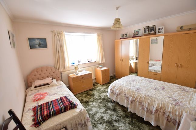 Bedroom One of Innings Drive, Pevensey Bay BN24