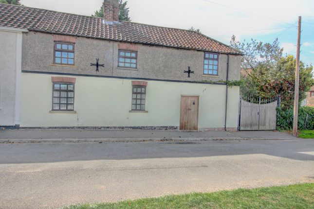 Thumbnail Semi-detached house for sale in Cissplatt Lane, Keelby, Nr. Grimsby