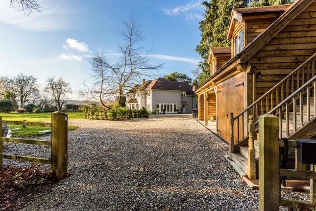 Thumbnail Detached house to rent in Ashampstead Common, Reading