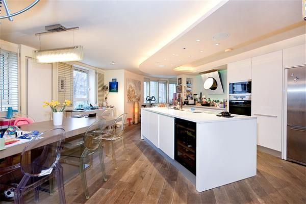 Thumbnail Flat for sale in Regents Plaza Apartments, Maida Vale