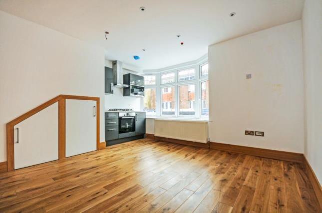 Thumbnail Flat for sale in Selsdon Road, South Croydon