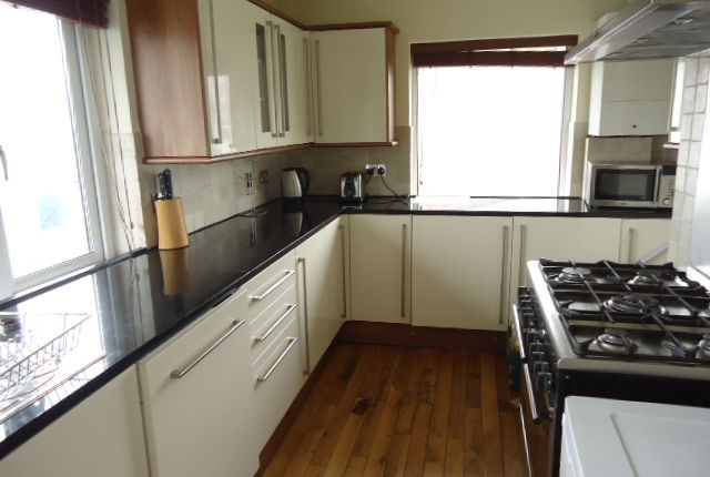 Thumbnail Flat to rent in Woodford Avenue, Plympton, Plymouth