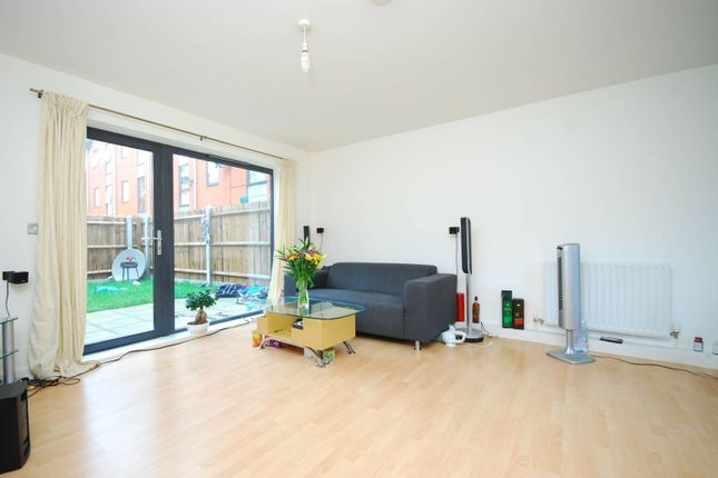 Thumbnail Flat to rent in Vandome Close, Canning Town, London