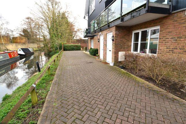 Thumbnail Maisonette to rent in Fourdrinier Way, Hemel Hempstead