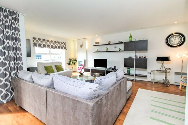 Thumbnail Penthouse for sale in Greyfriars Road, Cardiff