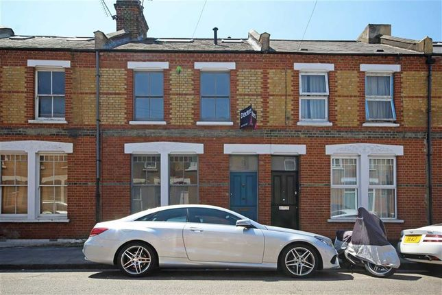 Thumbnail Property to rent in Beck Road, London