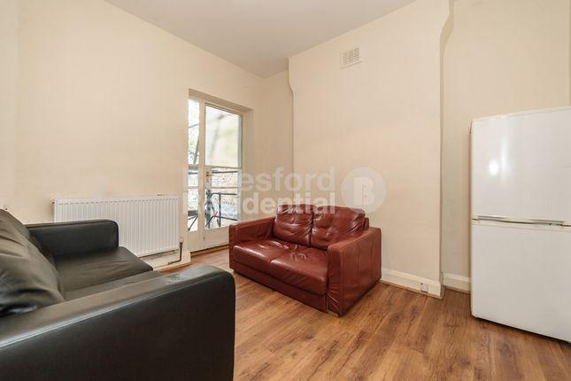 Thumbnail Flat to rent in John Ruskin Street, London