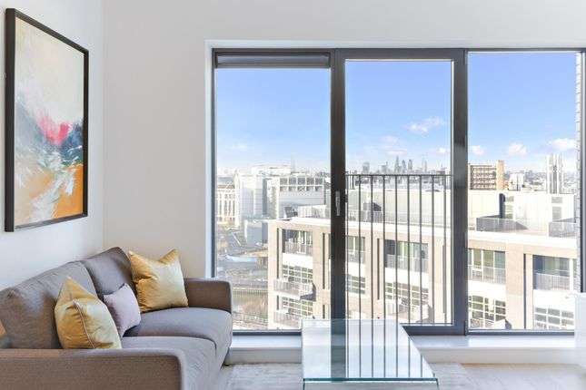 1 bedroom flat for sale in Montagu House, London City Island, London
