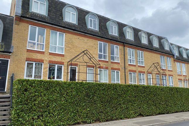 Studio to rent in The Alders, West Wickham BR4