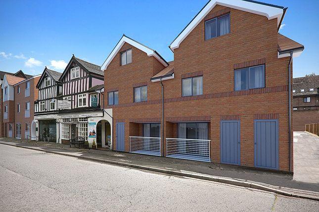 Thumbnail Flat for sale in Oak End Way, Gerrards Cross, Buckinghamshire
