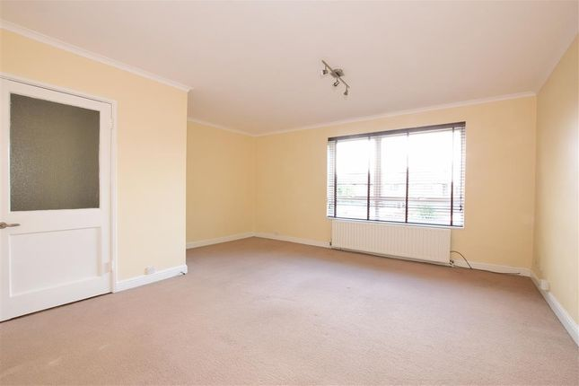 Thumbnail Flat for sale in Pevensey Garden, Worthing, West Sussex