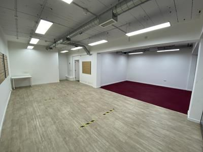 Thumbnail Retail premises to let in Unit 4 City Arcade, Lichfield, Staffs
