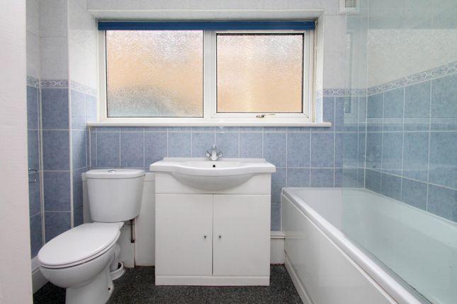 Bathroom of Banstead Road, Caterham CR3