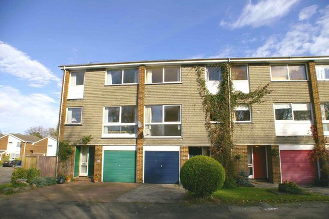 4 bed town house to rent in Antonine Gate, St.Albans