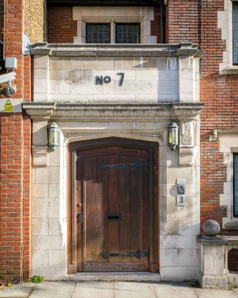 Picture No. 17 of St Mary Abbots Place, Kensington W8
