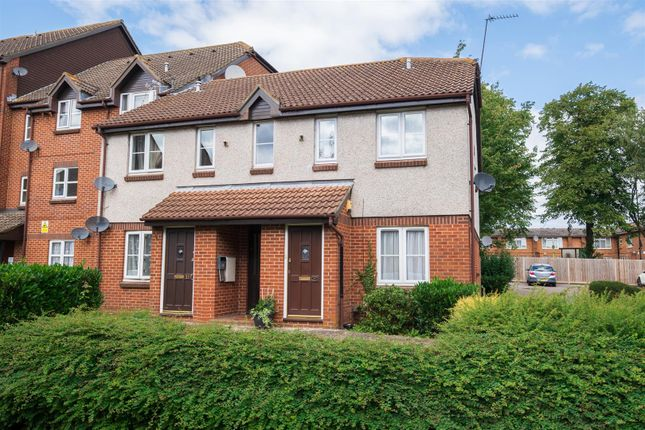 Thumbnail Maisonette to rent in Knowles Close, West Drayton
