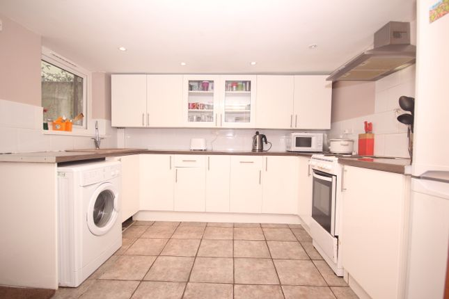 Thumbnail Terraced house to rent in Wellington Street, Plymouth