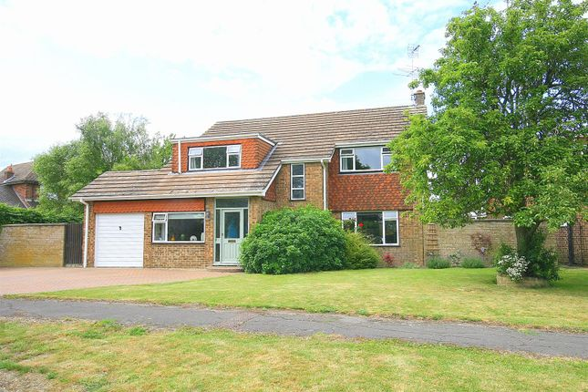 Detached house in  Beacon View  Stanbridge  Beds  Milton Keynes