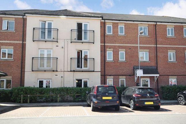 Thumbnail Flat for sale in Beeston Courts, Laindon, Basildon