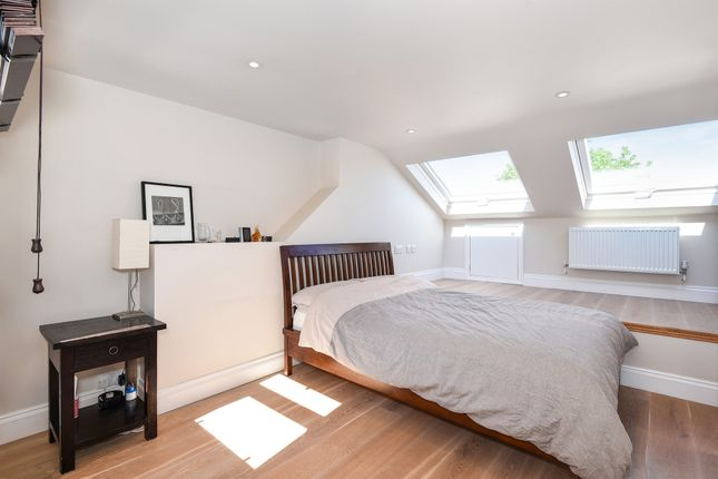 Thumbnail Terraced house for sale in Landells Road, London