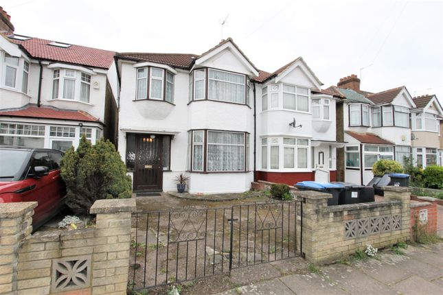Thumbnail Property for sale in Hadleigh Road, London