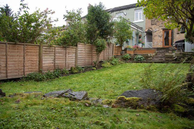 Garden of Yews Hill Road, Lockwood, Huddersfield, West Yorkshire HD1