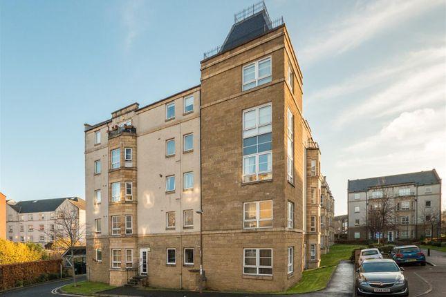 Thumbnail Flat for sale in 7/4 Dicksonfield, Edinburgh