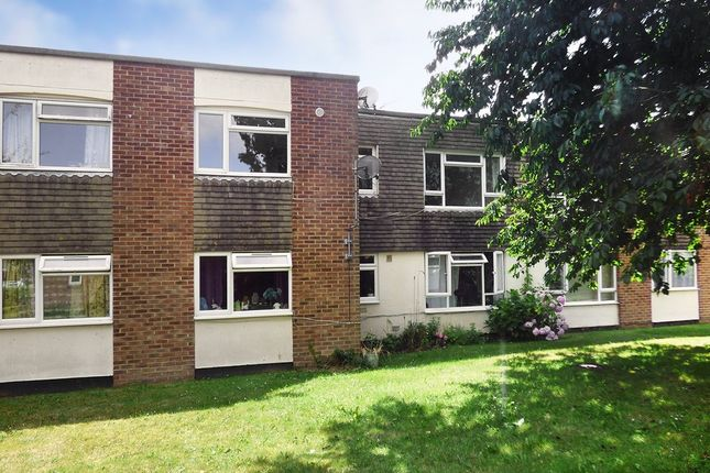 Thumbnail Flat for sale in Potters Mead, Wick, Littlehampton