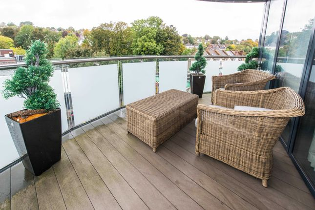Thumbnail 3 bed maisonette for sale in Station Approach Road, Coulsdon