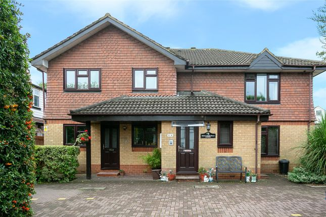 Thumbnail Flat for sale in Horseshoe Lane, Watford, Hertfordshire