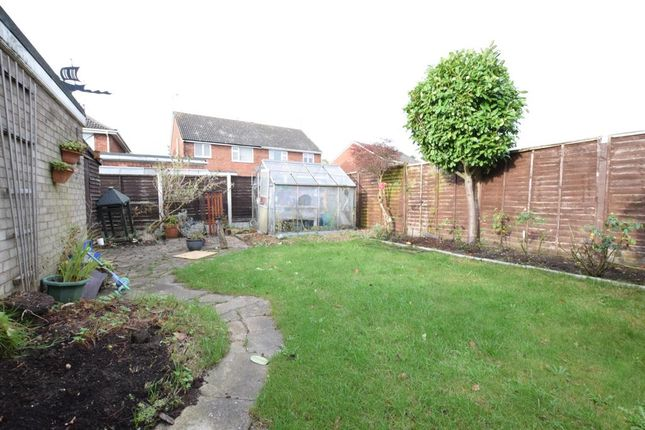 Weymouth Crescent Scunthorpe Dn17 2 Bedroom Semi