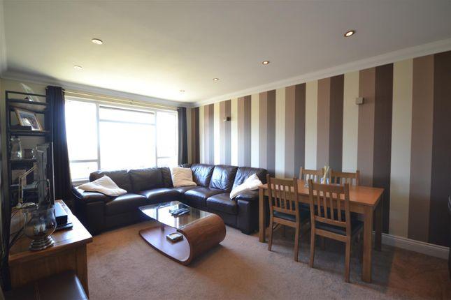 Lounge of Hewers Way, Tadworth KT20