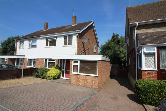 Thumbnail Property for sale in Pyenest Road, Harlow