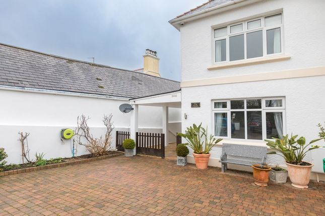 Thumbnail Flat to rent in Hougues Magues Road, St. Sampson, Guernsey