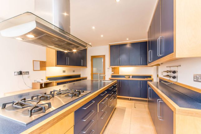 Thumbnail Property to rent in Southway, North Finchley