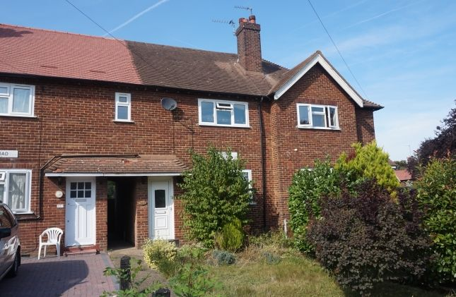 Thumbnail Property to rent in Paston Crescent, London