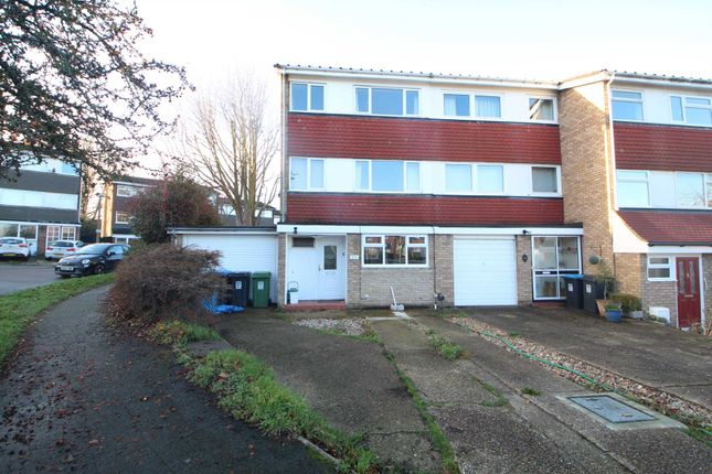 Thumbnail Semi-detached house to rent in Standring Rise, Hemel Hempstead