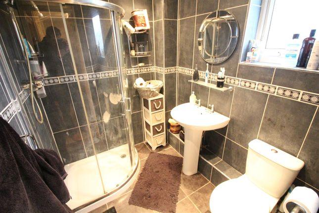 Shower-Room of Hunsley Avenue, Hull HU5