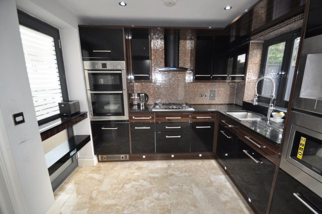 Thumbnail Property to rent in Barriedale, London