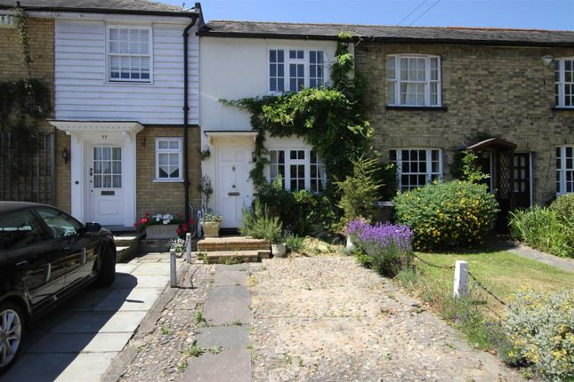 Thumbnail Cottage for sale in Hadley Highstone, Barnet