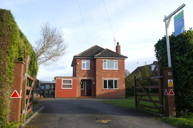 Thumbnail Detached house for sale in Newbold Road, Wellesbourne, Warwick
