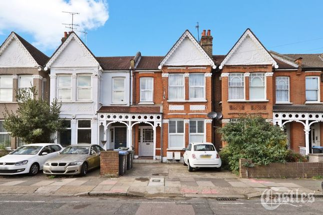 Thumbnail Flat for sale in Palmerston Crescent, Palmers Green