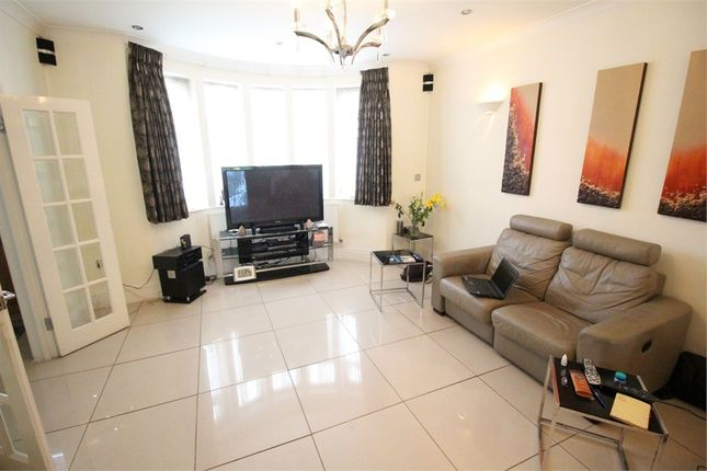 Thumbnail Detached house to rent in Ashcombe Gardens, Edgware, Middlesex