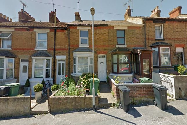 Thumbnail Terraced house to rent in Charlton Street, Maidstone