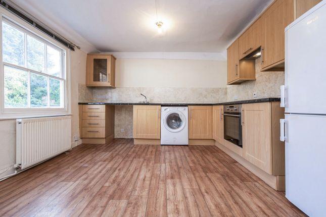 Flat to rent in London Street, Faringdon