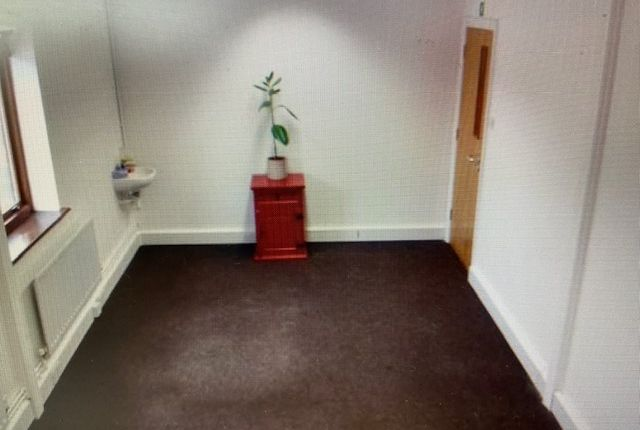 Thumbnail Office to let in Uphall Road, Ilford Essex