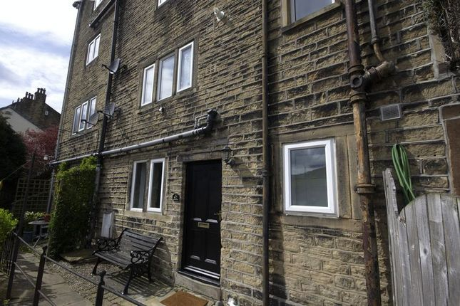 Thumbnail Cottage to rent in 67 Rochdale Road, Ripponden
